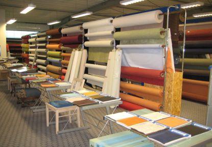 Im Shop finden Sie eine große Auswahl an Möbelstoffen und Farben
