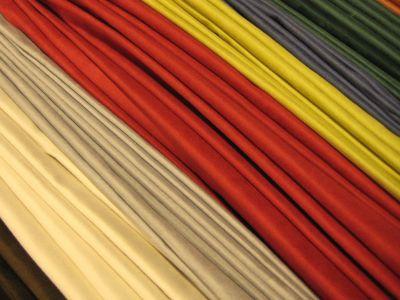 Microfaser Möbelstoffe bieten über die gesamte Fläche eine einheitliche Struktur