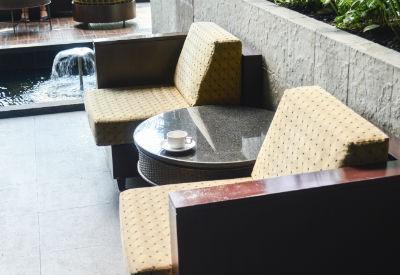Outdoor Möbel haben spezielle Polster.