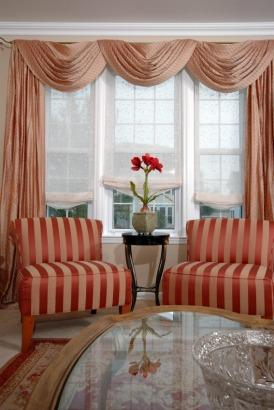 die geschichte der gardinen. Black Bedroom Furniture Sets. Home Design Ideas
